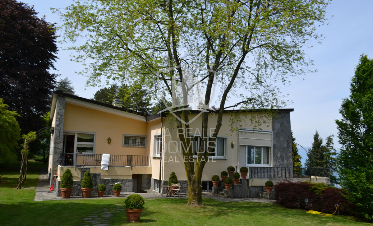 Bellagio villa con vista lago