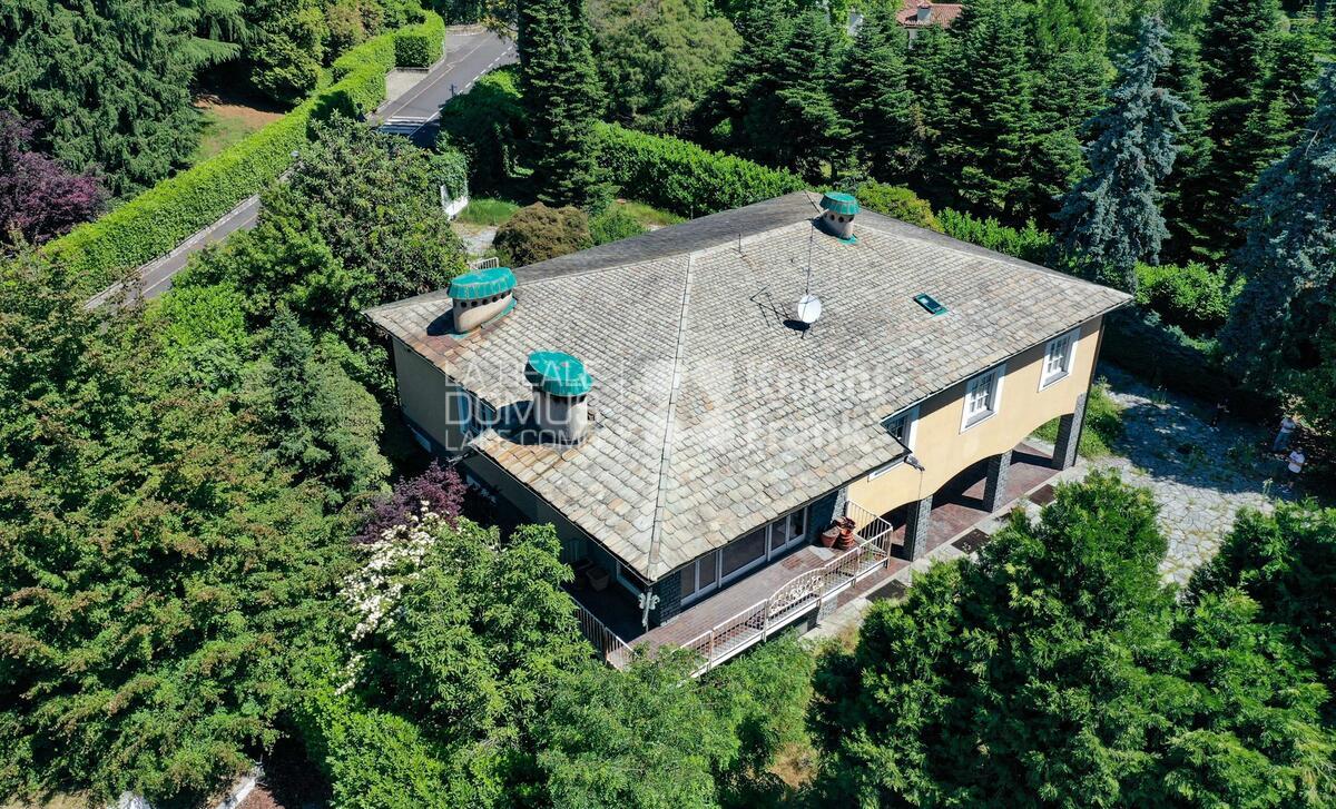 Villa in Via Privata al Ronco con giardino