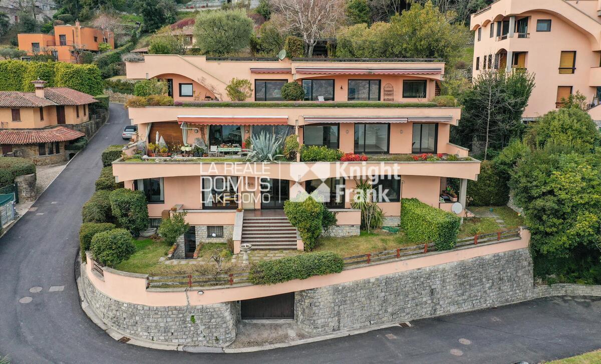 Elegante appartamento con giardino e vista panoramica