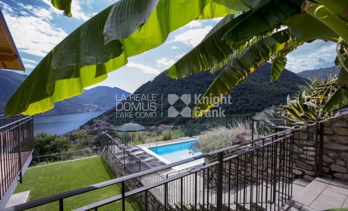 Appartamento con giardino vista lago e piscina